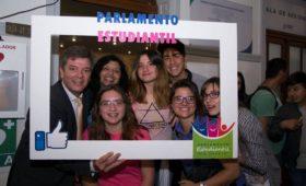 """Parlamento Estudiantil – Proyecto """"Violencia de género: un problema de todos"""""""